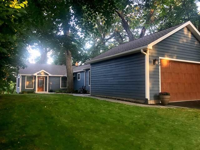948 Woodland Avenue, Batavia, IL 60510 (MLS #10488849) :: The Dena Furlow Team - Keller Williams Realty