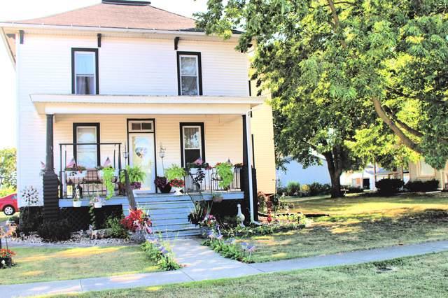 305 E Garfield Avenue, Cissna Park, IL 60924 (MLS #10489394) :: Ryan Dallas Real Estate