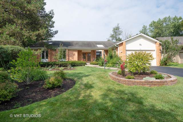 140 Oakmont Drive, Deerfield, IL 60015 (MLS #10489525) :: Property Consultants Realty