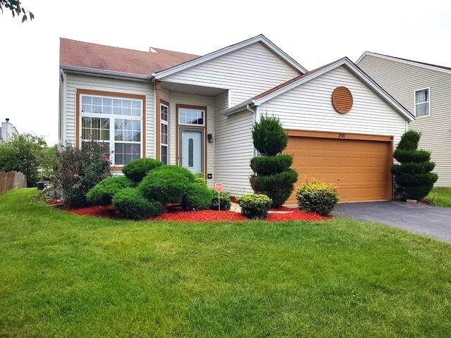 290 E Daisy Circle, Romeoville, IL 60446 (MLS #10489645) :: Berkshire Hathaway HomeServices Snyder Real Estate