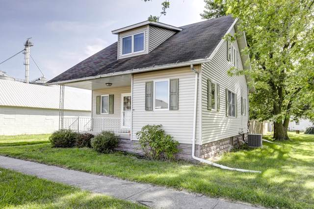 107 S Main Street, Arrowsmith, IL 61722 (MLS #10495943) :: Janet Jurich Realty Group