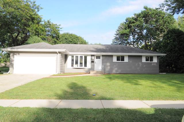 785 Carol Avenue, Elgin, IL 60123 (MLS #10500235) :: Baz Realty Network | Keller Williams Elite