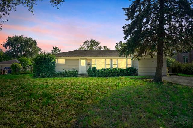 1935 Oakwood Road, Northbrook, IL 60062 (MLS #10526718) :: Touchstone Group