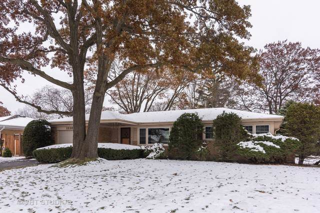 1338 Plymouth Lane, Glenview, IL 60025 (MLS #10529679) :: The Wexler Group at Keller Williams Preferred Realty