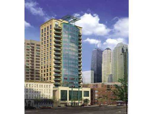 60 W Erie Street #601, Chicago, IL 60654 (MLS #10537713) :: Property Consultants Realty