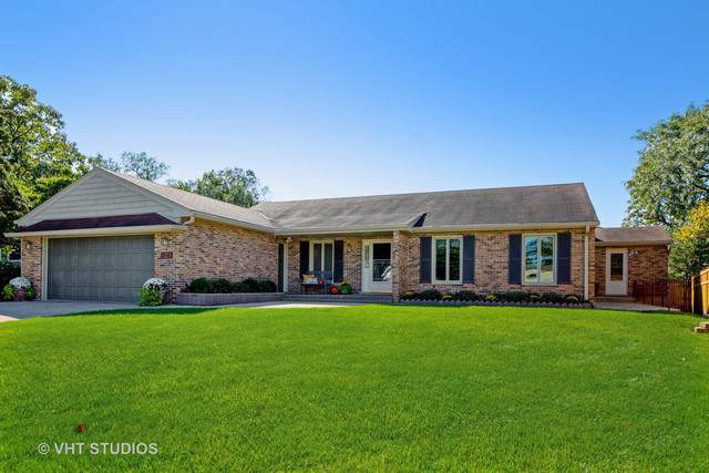 923 Lawn Court, Western Springs, IL 60558 (MLS #10549408) :: The Wexler Group at Keller Williams Preferred Realty