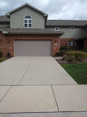 19819 Mulroy Circle, Tinley Park, IL 60487 (MLS #10550459) :: The Wexler Group at Keller Williams Preferred Realty