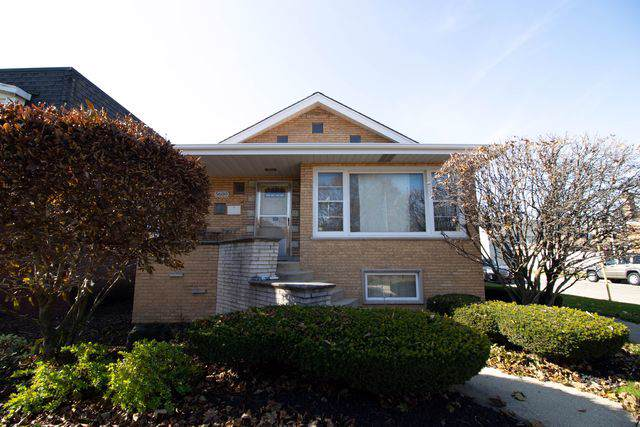 5600 S Kolin Avenue, Chicago, IL 60629 (MLS #10570294) :: The Wexler Group at Keller Williams Preferred Realty