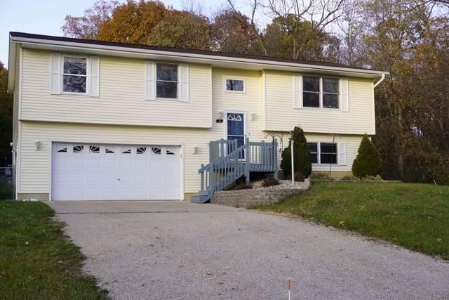 16 Scarbrough Drive, Mackinaw, IL 61755 (MLS #10571962) :: BNRealty