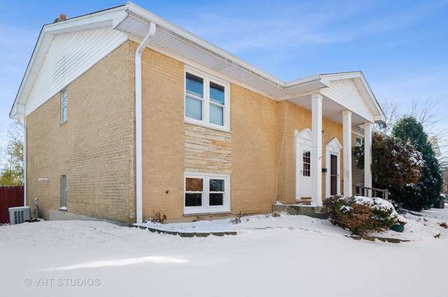 7745 N Nordica Avenue, Niles, IL 60714 (MLS #10573777) :: The Perotti Group | Compass Real Estate