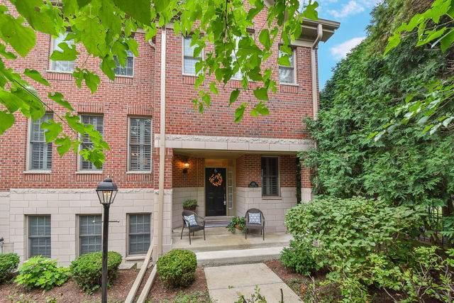 436 Brantley Place #436, Wheaton, IL 60187 (MLS #10580545) :: John Lyons Real Estate