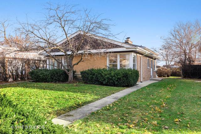 7319 N Kedvale Avenue, Lincolnwood, IL 60712 (MLS #10586831) :: Touchstone Group