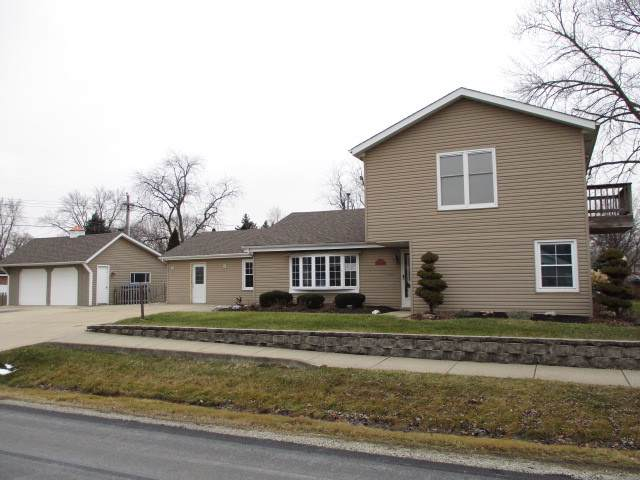 6901 W 112th Place, Worth, IL 60482 (MLS #10614297) :: Angela Walker Homes Real Estate Group