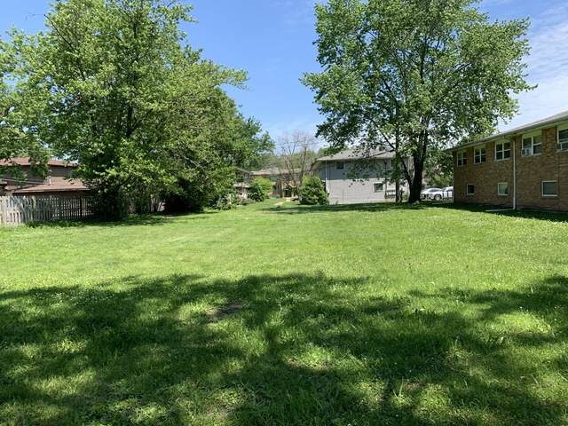 835 Greenbrier Road - Photo 1
