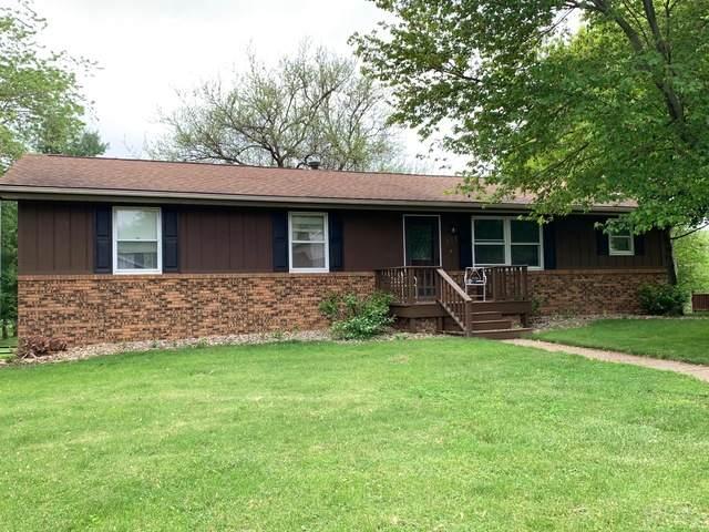 111 Giles Drive, Mackinaw, IL 61755 (MLS #10640836) :: BN Homes Group