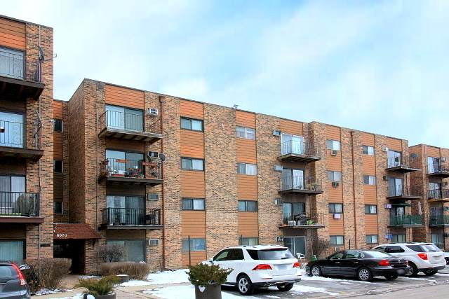 8970 N Parkside Avenue #416, Des Plaines, IL 60016 (MLS #10650127) :: Helen Oliveri Real Estate