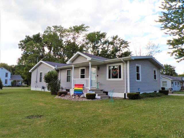 501 W 2nd Street, Gilman, IL 60938 (MLS #10651960) :: Property Consultants Realty