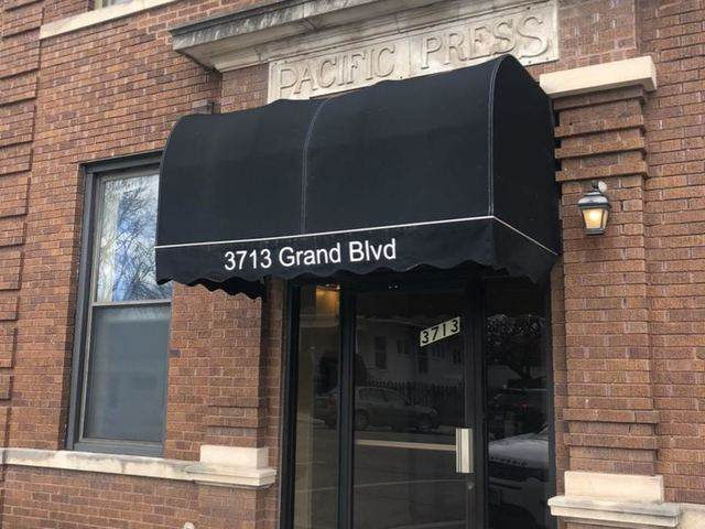 3713 Grand Boulevard #17, Brookfield, IL 60513 (MLS #10662622) :: Touchstone Group