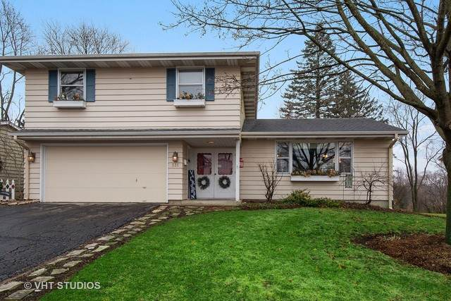 335 W Margaret Terrace, Cary, IL 60013 (MLS #10671128) :: Angela Walker Homes Real Estate Group