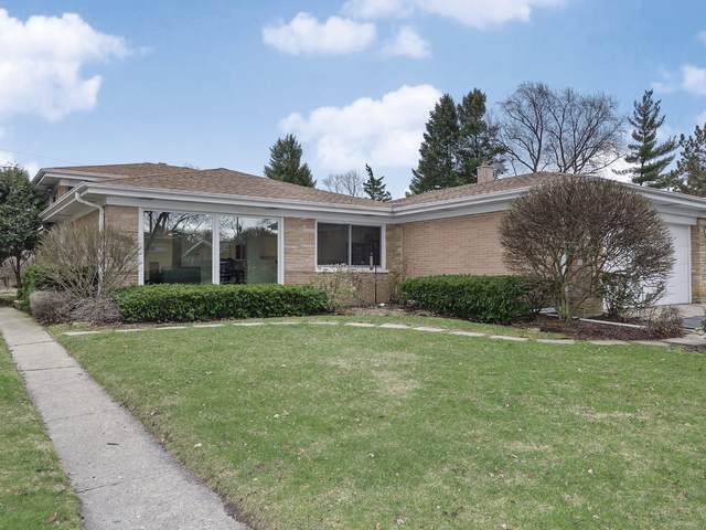 210 Sunset Drive, Wilmette, IL 60091 (MLS #10673407) :: Jacqui Miller Homes