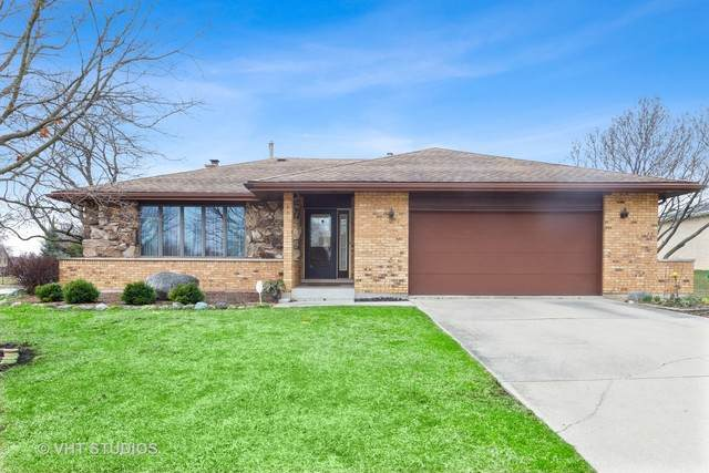 8306 Tudor Circle, Willow Springs, IL 60480 (MLS #10678844) :: The Wexler Group at Keller Williams Preferred Realty