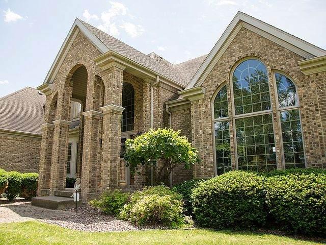 3551 E 3rd Road, Lasalle, IL 61301 (MLS #10692818) :: Helen Oliveri Real Estate