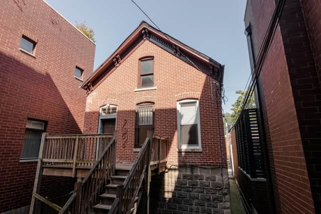 1825 Bissell Street - Photo 1