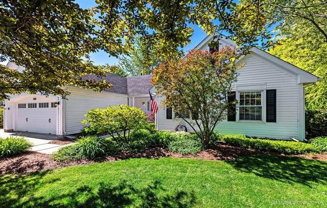 7011 Dada Drive, Gurnee, IL 60031 (MLS #10734109) :: Ryan Dallas Real Estate