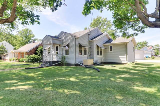 308 E Sullivan Street, HEYWORTH, IL 61745 (MLS #10742940) :: BN Homes Group