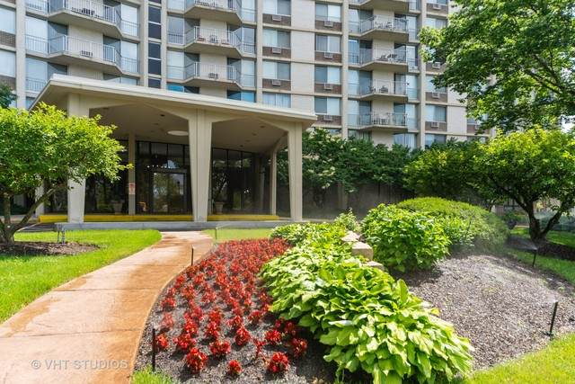 20 N Tower Road 8J, Oak Brook, IL 60523 (MLS #10753253) :: The Spaniak Team