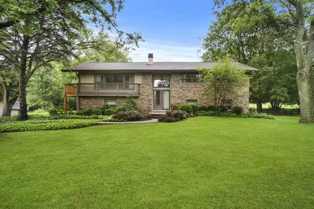 4 Barrington Bourne, Barrington Hills, IL 60010 (MLS #10764454) :: Property Consultants Realty