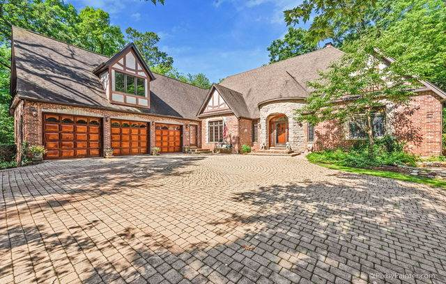 10N940 Leith Court, Elgin, IL 60124 (MLS #10769737) :: Touchstone Group