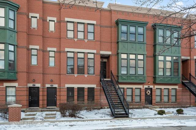 221 W Wood Street #221, Palatine, IL 60067 (MLS #10775350) :: Helen Oliveri Real Estate