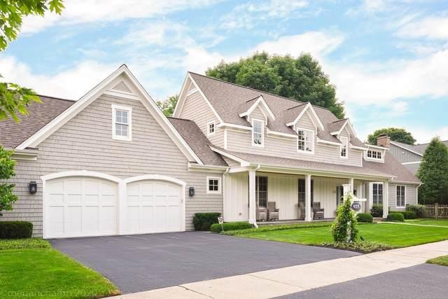 925 Lenox Road, Glenview, IL 60025 (MLS #10784557) :: Helen Oliveri Real Estate