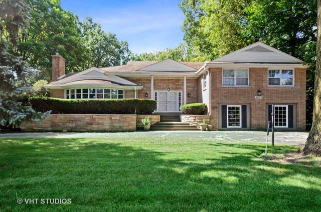 4833 W Pratt Avenue, Lincolnwood, IL 60712 (MLS #10792009) :: John Lyons Real Estate