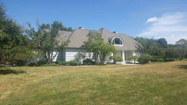 2315 Coach Road, Long Grove, IL 60047 (MLS #10802035) :: John Lyons Real Estate