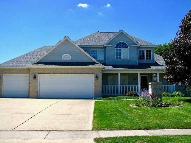 708 Lakeshore Drive, Tuscola, IL 61953 (MLS #10808673) :: Lewke Partners