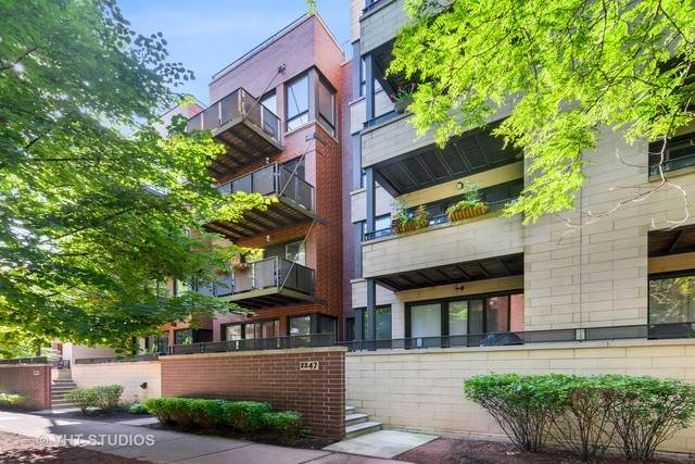 2247 W Wabansia Avenue #404, Chicago, IL 60647 (MLS #10809351) :: Property Consultants Realty