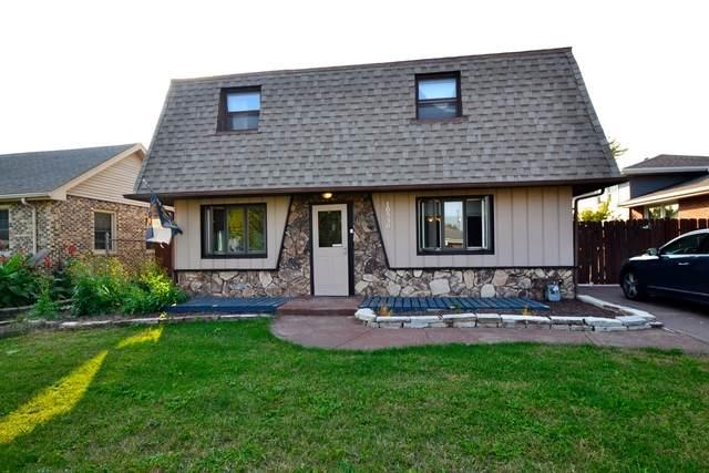 10530 S 82nd Court, Palos Hills, IL 60465 (MLS #10811102) :: John Lyons Real Estate