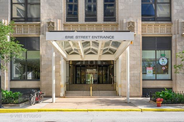680 N Lake Shore Drive 1605P, Chicago, IL 60611 (MLS #10811619) :: Angela Walker Homes Real Estate Group