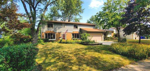 1327 Sussex Lane, Wheaton, IL 60189 (MLS #10837563) :: John Lyons Real Estate