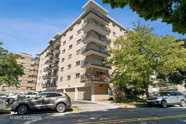 315 Des Plaines Avenue #608, Forest Park, IL 60130 (MLS #10851217) :: Angela Walker Homes Real Estate Group