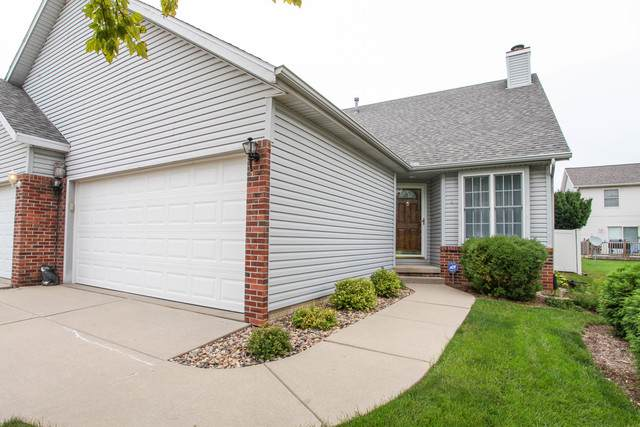 4 Lake Trail Road, Bloomington, IL 61701 (MLS #10853476) :: Littlefield Group