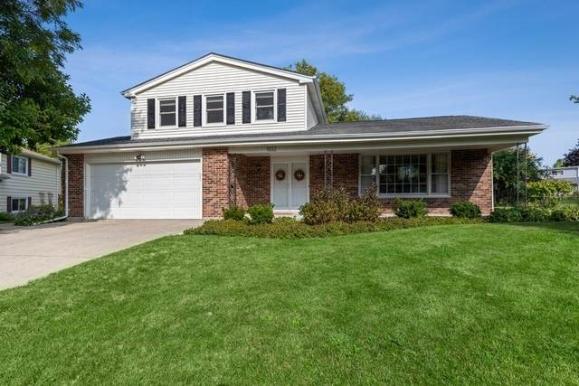 1032 Crabtree Lane, Libertyville, IL 60048 (MLS #10862758) :: John Lyons Real Estate