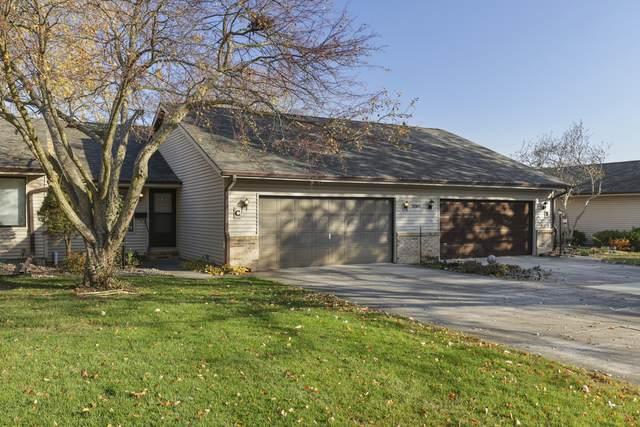 2001 Eagle Ridge Court C, Urbana, IL 61802 (MLS #10881397) :: John Lyons Real Estate