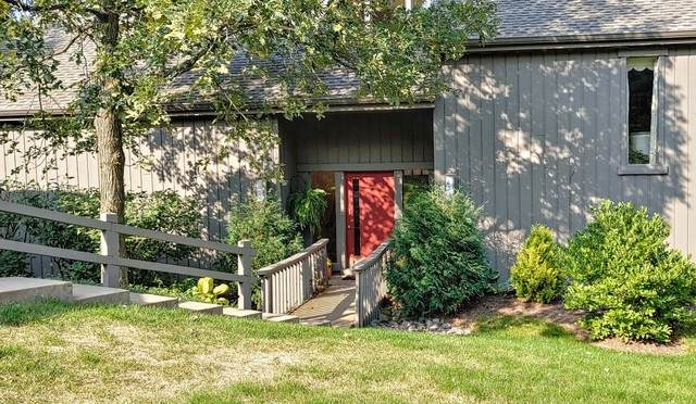 678 Old Barn Road A, Lake Barrington, IL 60010 (MLS #10883437) :: John Lyons Real Estate