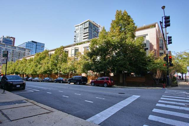 310 Desplaines Street - Photo 1