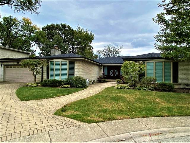 6427 N Kilbourn Avenue, Lincolnwood, IL 60712 (MLS #10902919) :: John Lyons Real Estate