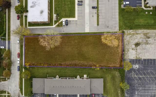 600 Central Parkway Road, Woodstock, IL 60098 (MLS #10905496) :: Lewke Partners