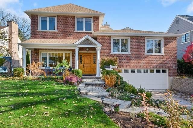 1032 Cherokee Road, Wilmette, IL 60091 (MLS #10921477) :: Property Consultants Realty